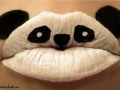 бодиарт на губах панда